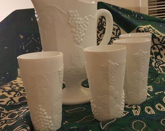 Vintage Harvest Grape Vine Ice Lipped Milk Glass Pitcher and Four Ice-Tea Glasses - unbranded