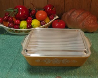 Beautiful Vintage Pyrex Cinderella Butterfly Gold 503 Refrigerator Dish with Lid - 1 1/2 Quarts