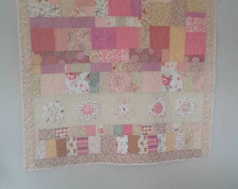 Daisy Quilt or Wall Hanging All Cotton