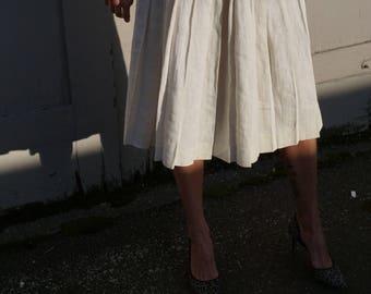 1950s Vintage Cream Off White Pleated Linen Skirt by Elliott Lauren Size 26