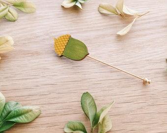 Acorn lapel pin . Wooden pin . Wooden brooch . Badge . Nature lover . Gift for Him . Bridegroom . Best man gift . Outdoor lover . Groom