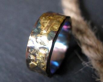 Rustic Man Wedding Band Size 11/1/2 Man Wedding Ring 9mm Mens Wedding Band Mens Wedding Ring Unique Black Gold Ring Viking Ring Vintage
