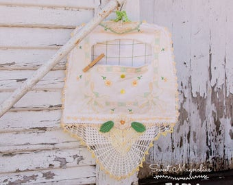 Clothespin Bag - Vintage - Linen - Embroidered - Lace -  Yellow, White and Green, Farmhouse Chic