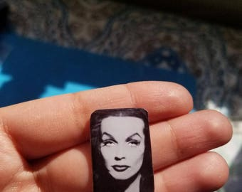 Vampira pin/brooch