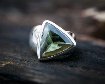 Moldavite Ring - Large Moldavite Ring - full faceted smooth cut Moldavite Ring size 7.5 - Moldavite Ring size 7.5 - Large Moldavite Ring