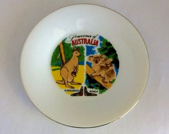 Australia plate, Souvenir of Australia, 6 inch plate, kangaroo, koala, boomerangs, Australia souvenir,