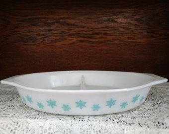 Vintage Pyrex White and Turquoise Snowflake Divided Dish
