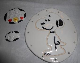 Snoopy Pine Needle Base with embellishments 4 1/4''
