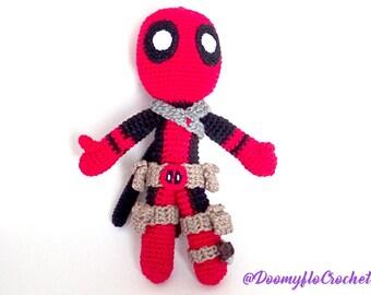 Deadpool amigurumi cotton crochet doll; superheros red and black; figurine textile comics usa