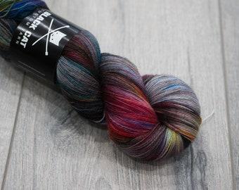 Canadian Hand-dyed yarn 100% Superwash Merino Lace Yarn 113g 980 yards Lace weight. Nyan. Multicolored variegated yarn.