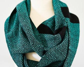 Handwoven Cotton Loop Scarf Jade Green - Baroque