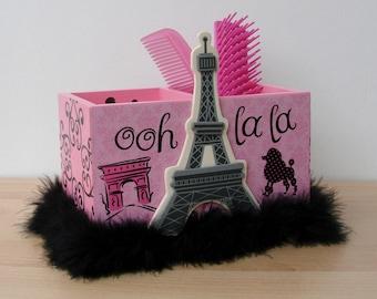 pink and black paris eiffel tower desk caddy