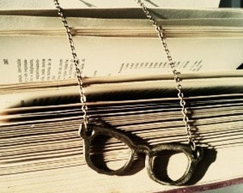 black eyeglasses pendant necklace