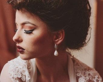 Pearl drop bridal earrings, luxury bridal jewelry, statement bridal earrings, pearl wedding jewelry