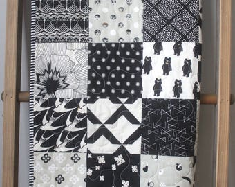 Black and White Baby Bedding- Black and White Quilt- Black White Gold- Black and White Baby Quilt- Black White Gold Nursery-Gender Neutral