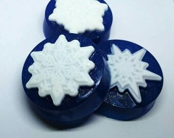 Snowflake soap, Christmas soap snowflake, Winter soap, Soap gift soap, Soap gift for friend, Secret Santa soap gift, Glitter soap bar, Gift
