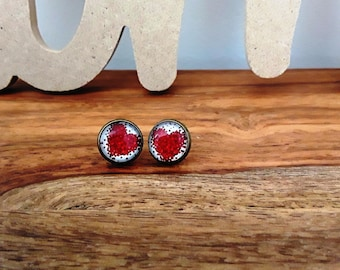 Round Stud Earrings with red hearts cabochons