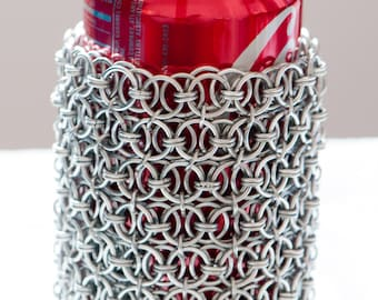Chainmail cup holder or pencil holder