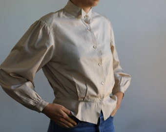 Puffy shoulders beige blouse