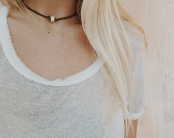 Suede Choker with Pearl