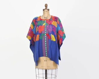 Vintage Guatemalan HUIPIL / Bright Embroidered Animals Boho Handwoven PONCHO