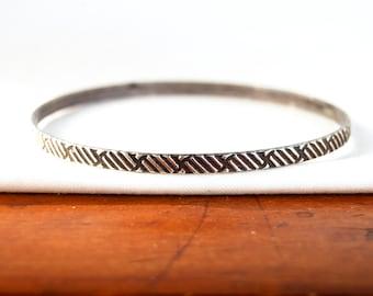Textured Bangle Bracelet Vintage Sterling Silver Size 7.5 Small Medium Modern Stacking Bangles