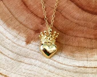 Gold Irish Claddagh Crown Heart Necklace