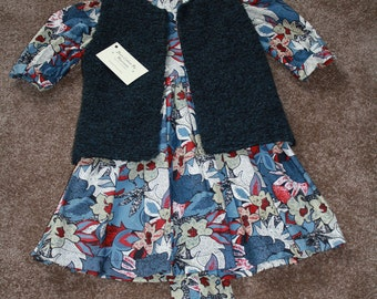 Super quality cotton dress and reversible gilet.