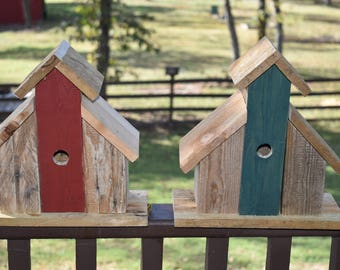Rustic Barn Birdhouse Distressed Reclaimed Pallet Wood Small Wren Birdhouse Primitive Distressed red or Green