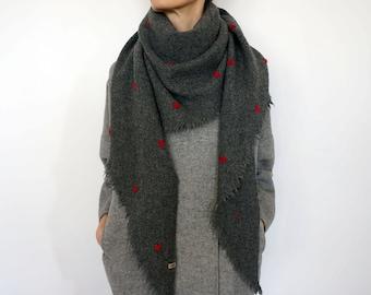 Triangular Shawl 0217 / Handmade Weaving on the Loom / Scarf / Warm Shawl / 100% Natural Wool/ Stitched tittles