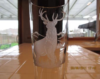 Elk on pilsner glass