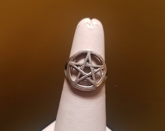 Vintage Sterling Silver Pentacle Pentagram Ring Size 6