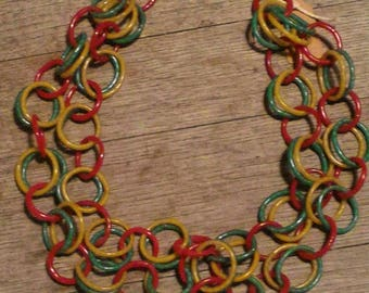 """Necklace """"rings"""" flip flops recycled yellow, red and green - Made in Mali"""