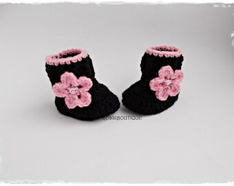 Crochet baby booties, Knit baby boots, Black Pink baby boots, Crochet baby shoes, Baby girl shoes, Crib shoes, Newborn baby shoes
