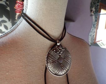 The Choker necklace pendant and cord