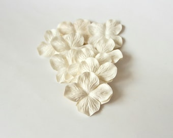 100 pcs - White Mulberry Paper Hydrangeas - Wholesale pack