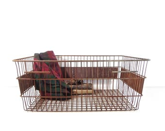 Vintage Metal Wire Crate / Large Metal Wire Basket / Rustic Farmhouse Storage