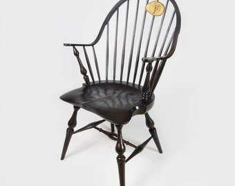 Handmade Windsor Continuous Arm chair