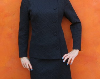 Vintage MOD 1950s 1960s women's Black Hourglass 2 Piece Suit Coat Jacket and Skirt. Asymetical buttons. Waffle diamond pattern. Plus Size