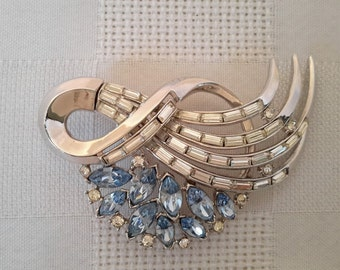 Crown Trifari Rhodium Plated Blue and White Comet Brooch, c.1950.