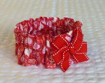 "Dog Ruffle Collar, Glitter Patterned Hearts Valentine Dog Scrunchie Collar with red and white bow - M: 14"" to 16"" neck"