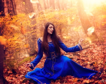 Medieval dress Nimue, medieval wedding dress, elven dress, fantasy dress, fairy wedding, peasant dress, handfasting dress, celtic dress