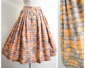 1950s Orange peach printed cotton pleated skirt / 50s brick or basket novelty print full day skirt - S