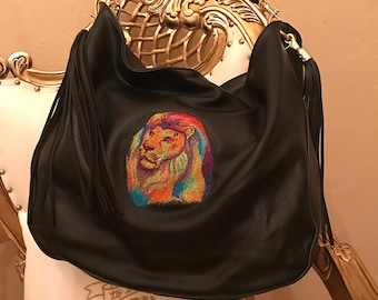 Wunderschön bestickte Handtasche