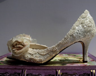 Low Heel Wedding Shoes.. Vintage Lace Shoes ..Blush and Ivory .. Lacy Rose Bridal Shoes .. Low Heels ..Shabby Chic Rose .
