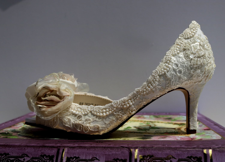 Niedrigem Absatz Hochzeitsschuhe... Vintage Spitze Schuhe...