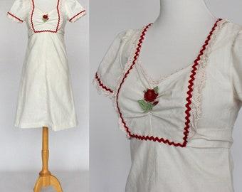 70's Empire Waist Dress / Muslin / Short Gathered Sleeves / Rickrack Accent / Girls Dress / XSmall