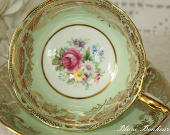Paragon, England: Green tea cup & saucer with bouquet of flowers