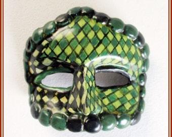 Broche de máscara veneciana hecha a mano, joyería artesanal, broche pintado a mano, regalo original, broche para chaqueta, regalo para mujer