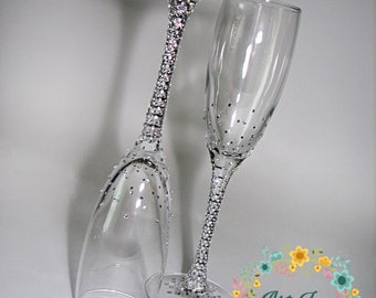 Brilliant Wedding champagne glasses with shimmering rhinestones - Wedding toasting flutes - Wedding favor -Wedding gift idea - Wedding glass